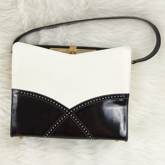 Vintage Handbags - Vintage 60s Naturalizer Black & White Purse